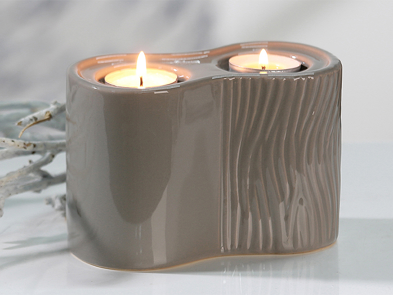 Čajový svícen pro 2 svíčky Carving, šedohnědá