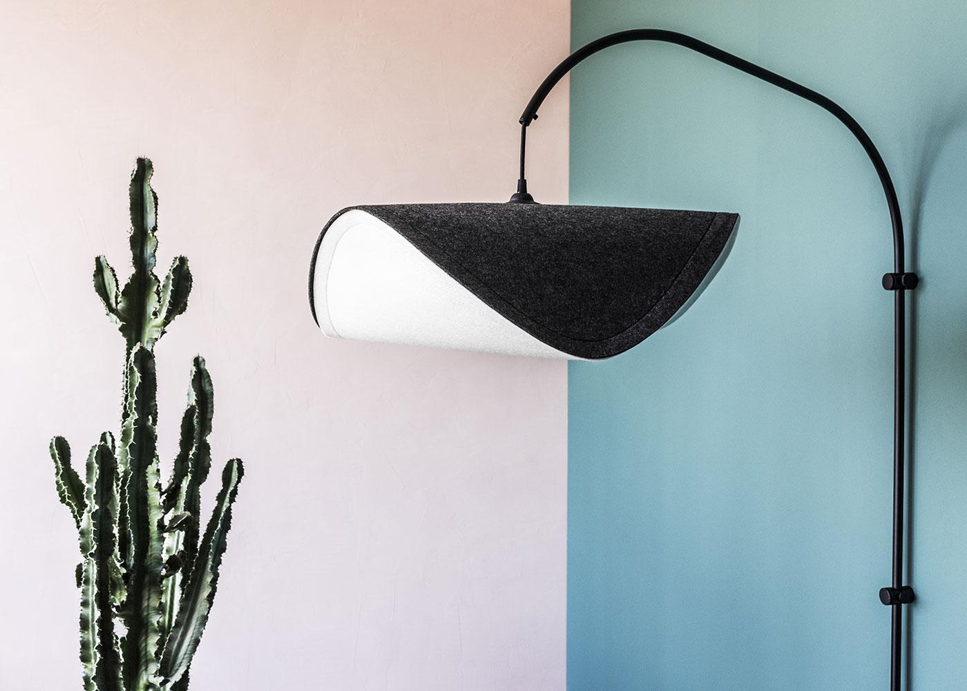 Stojan pro nástěnnou lampu VITA Willow Single, černá