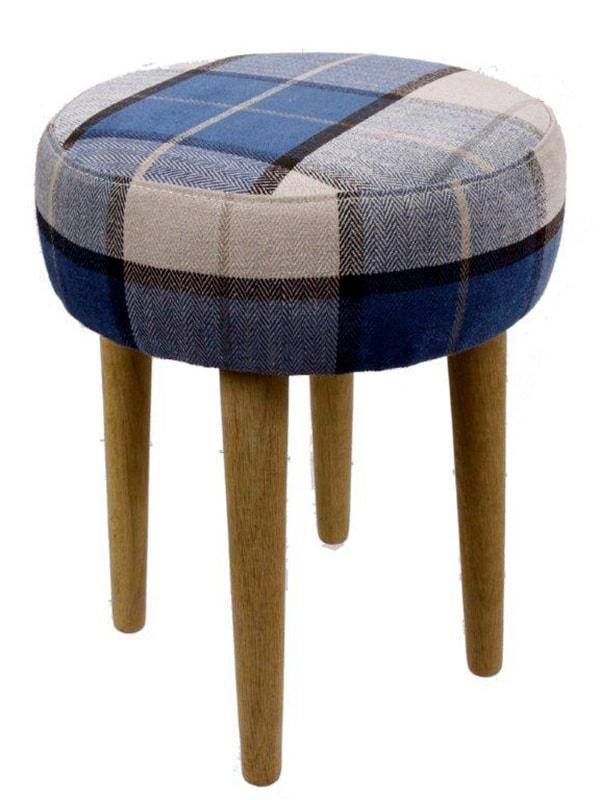 Stolička s dubovými nohami Marine, 45 cm, viac farieb